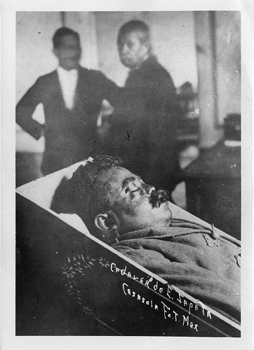 Imagen de Cadáver de Emiliano Zapata