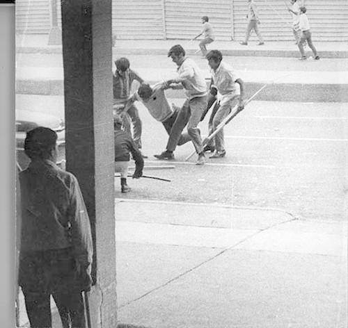 Imagen de Estudiante herido durante la marcha estudiantil del 10 de junio de 1971 (atribuido)