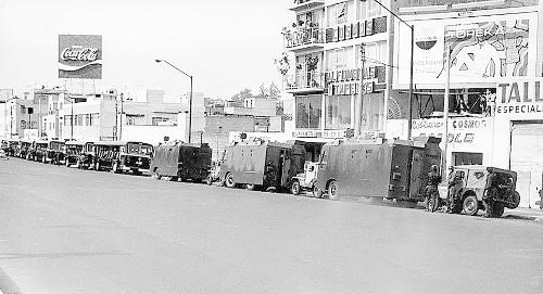 Imagen de Los cuerpos policíacos en la marcha estudiantil del 10 de junio de 1971 (atribuido)