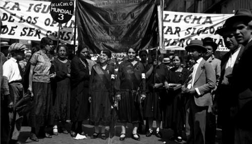 Imagen de Mujeres de la Casa del Obrero Mundial se manifiestan por la igualdad civil y política (atribuido)